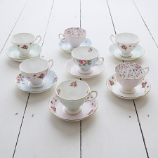 Tea Party Vintage Mix Set of 4 Teacups & Saucers